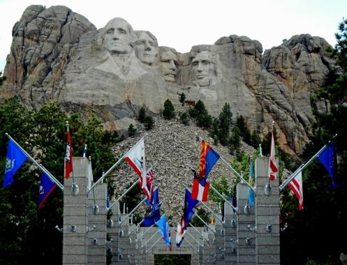 Mt-Rushmore-Flags